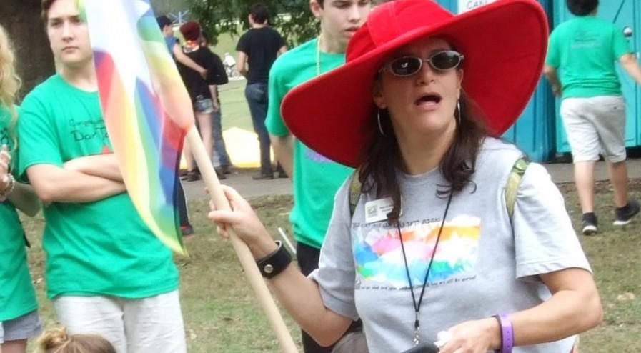 jewish-community-supports-atlanta-pride-parade-11-897x494